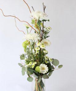 korkea kukkakimppu