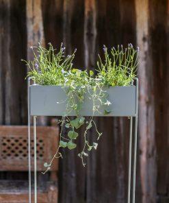 Vihreä kukkalaatikko
